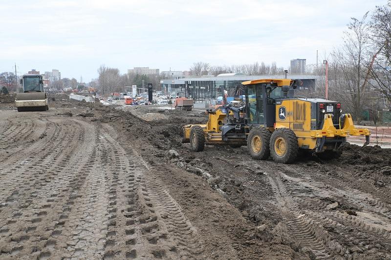 В конце апреля по мосту на ул. Малиновского запустят движение автобусов и спецтранспорта