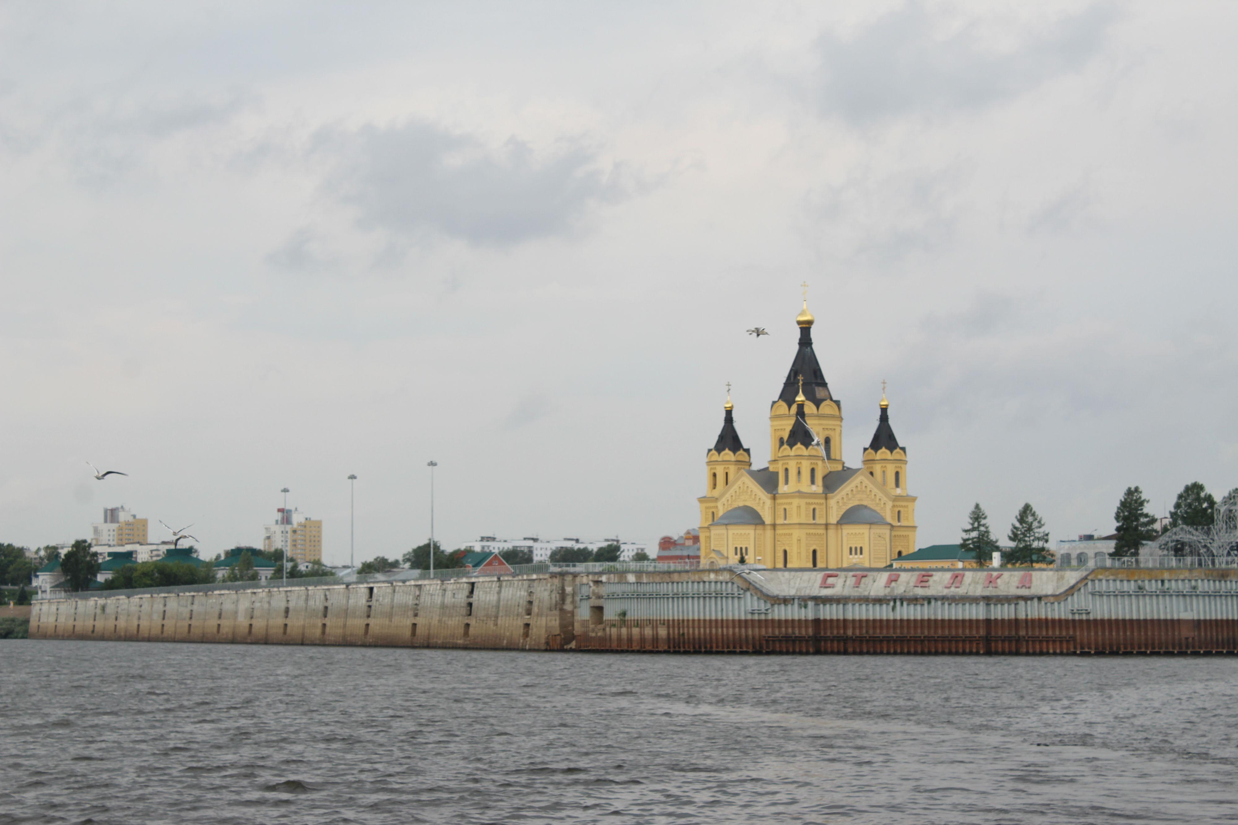 Нижегородцев и гостей города приглашают посетить фестиваль огня «Жарко» на Стрелке