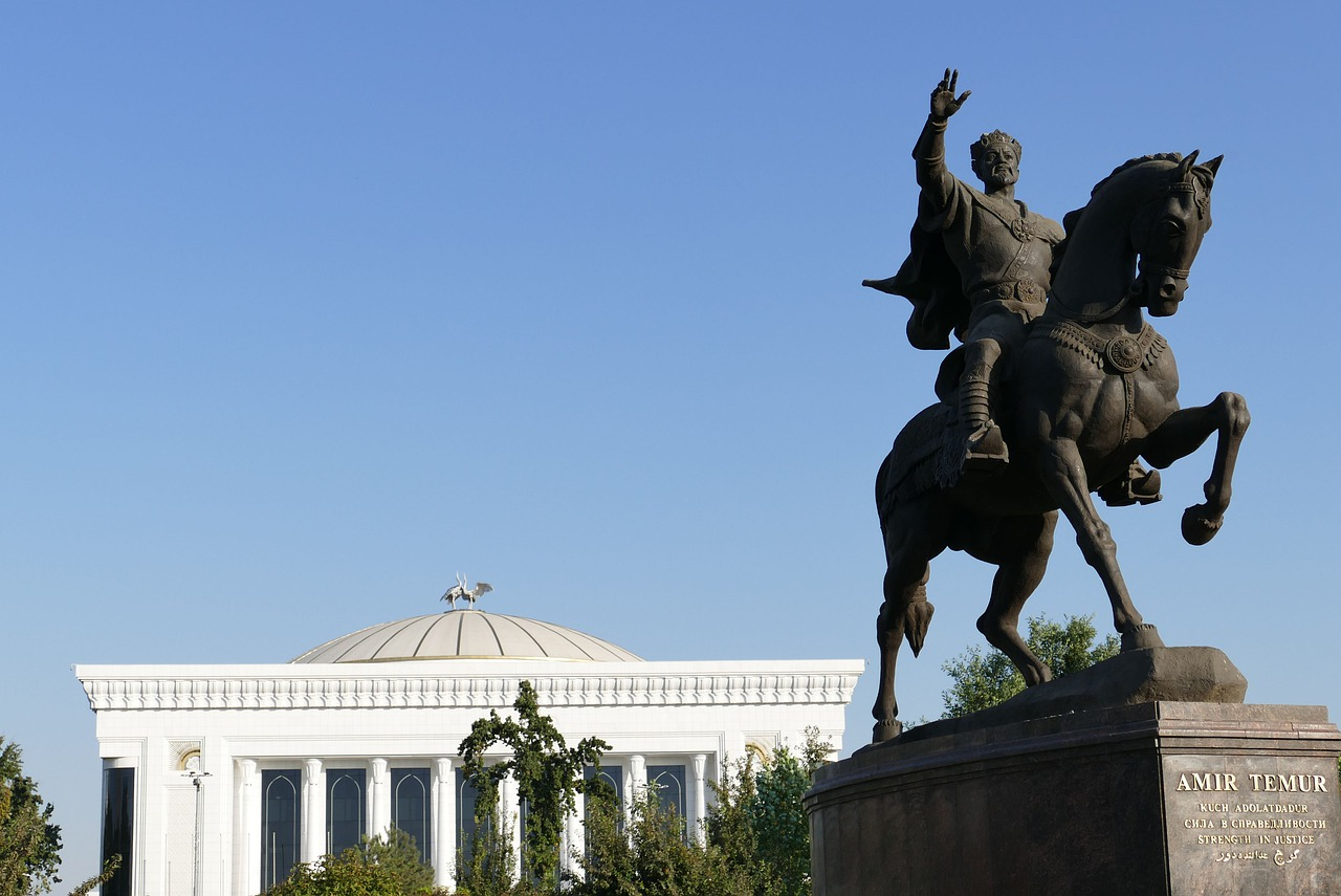 Стройки ждут: Россия ввела миграционную амнистию для 158 тысяч граждан Узбекистана